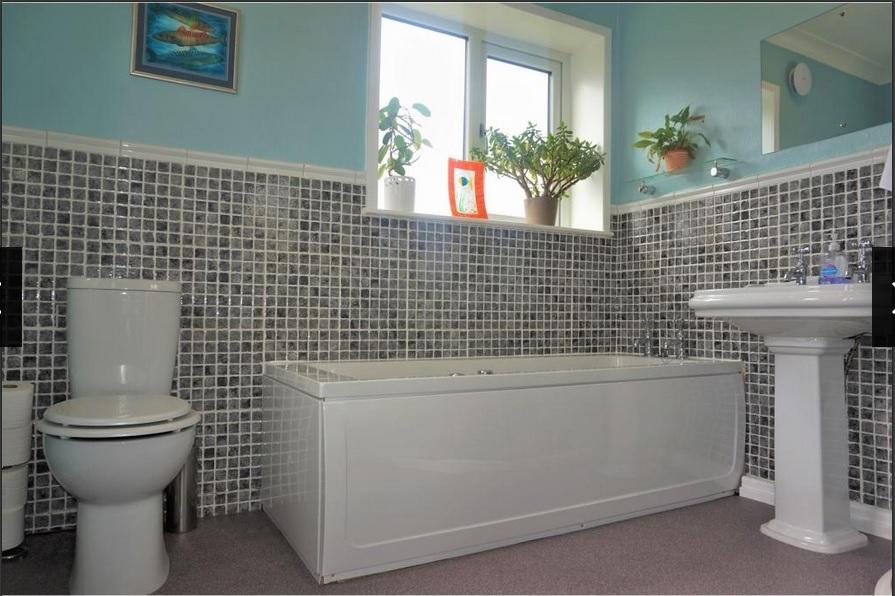 mozaic bathroom