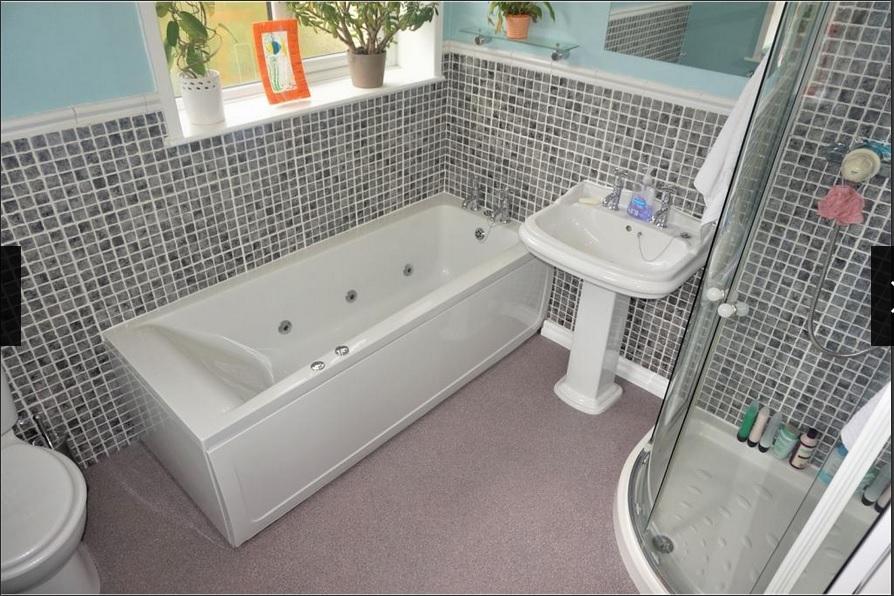 moziac bathroom 2