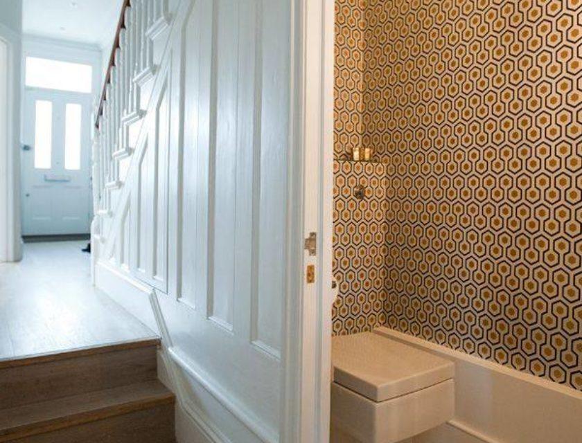 Lighting Basement Washroom Stairs: 4 Under Stairs Toilet Ideas